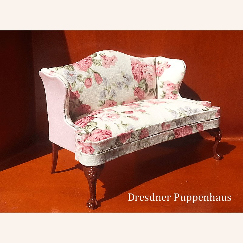sofa mit blumen im dresdner puppenhaus 26 99. Black Bedroom Furniture Sets. Home Design Ideas