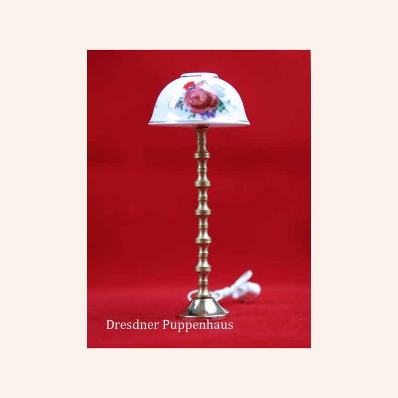 stehlampe rose mit porzellanschirm im dresdner puppenhaus 15 99. Black Bedroom Furniture Sets. Home Design Ideas