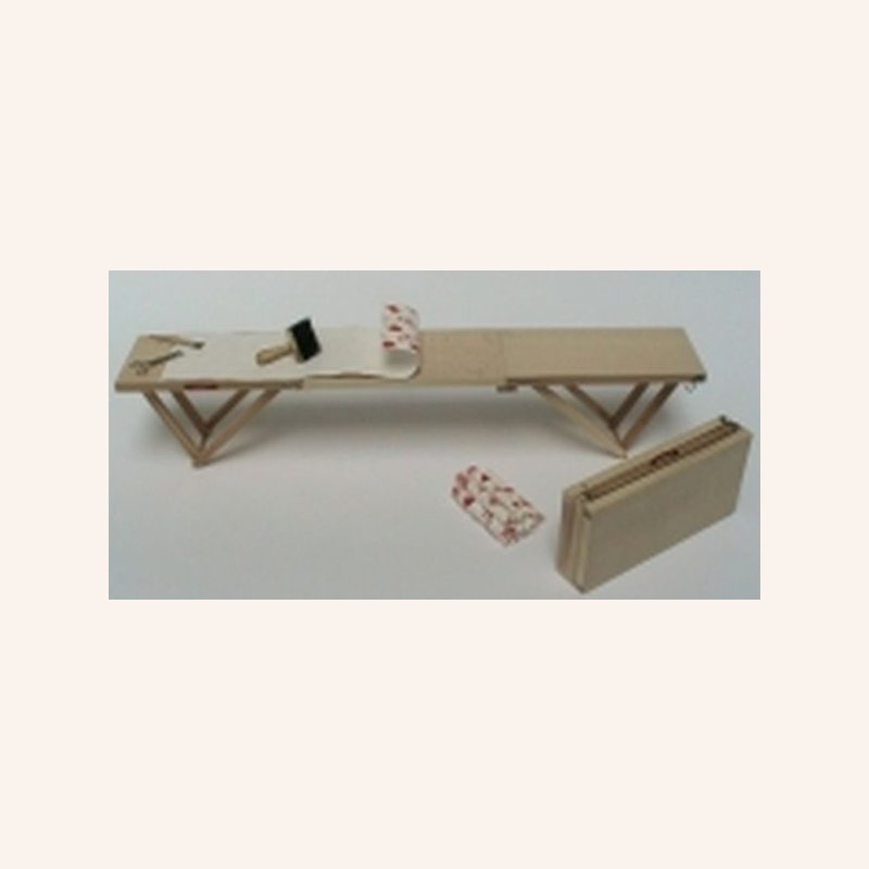 Tapeziertisch, klappbar im Dresdner Puppenhaus, 16,90 €