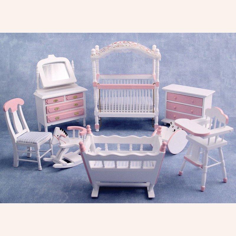 kinderzimmer in rosa und wei im dresdner puppenhaus 44 90. Black Bedroom Furniture Sets. Home Design Ideas