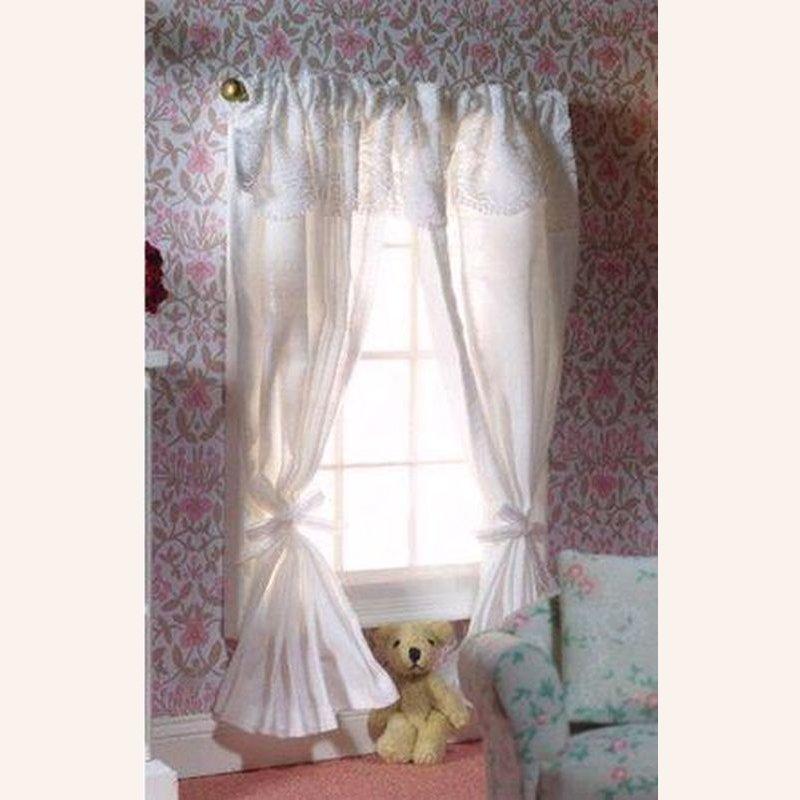 wei e gardinen mit stange 2 st ck im dresdner puppenhaus 16 90. Black Bedroom Furniture Sets. Home Design Ideas