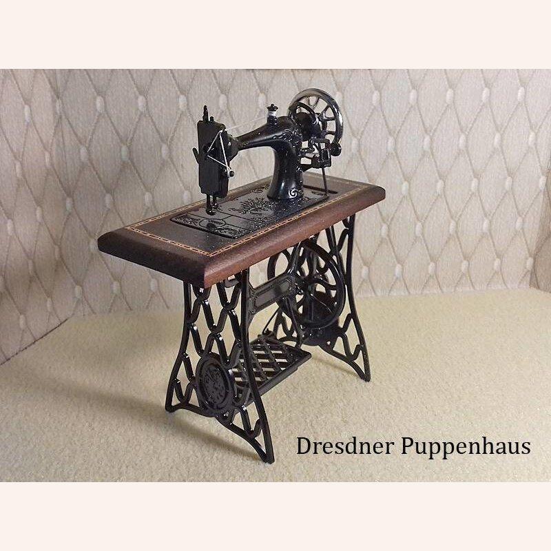 1:12 Puppenhaus Miniatur sehr schöne Miniatur NÄHMASCHINE